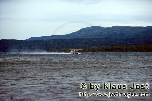 Floatplane/Bush plane/Alaska        Float plane on a river in the Katmai backcountry        With the