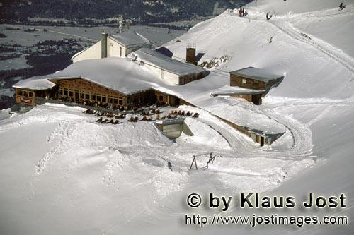 Karwendel cable car mountain station        Karwendel cable car mountain station in the winter