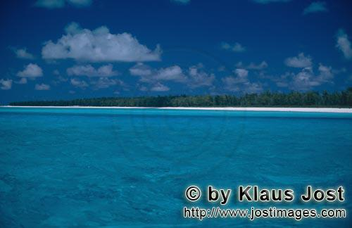 Midway/Hawaiian Islands/USA        South Sea romance         The Midway Atoll rises 1200 mile