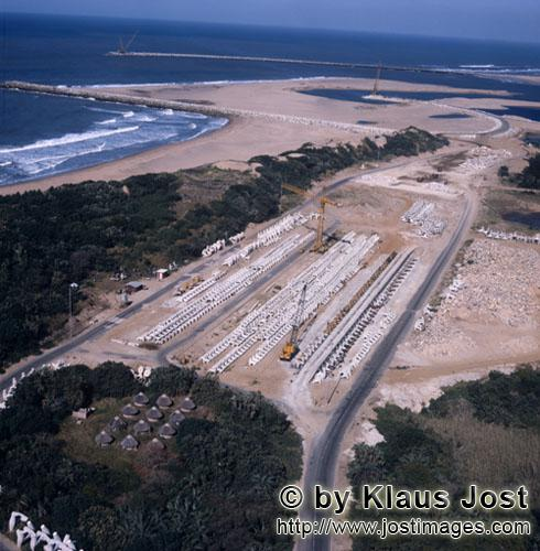 Richards Bay Harbour/Natal/South Africa        North Breakwater production location for dolosse