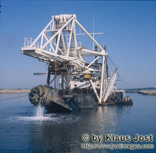 Richards Bay Harbour/Natal/South Africa        Cutterhead from Cutter Suction Dredger