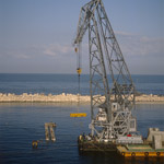 """Placing of Quay-wall concrete blocks with """"Gamal"""""""